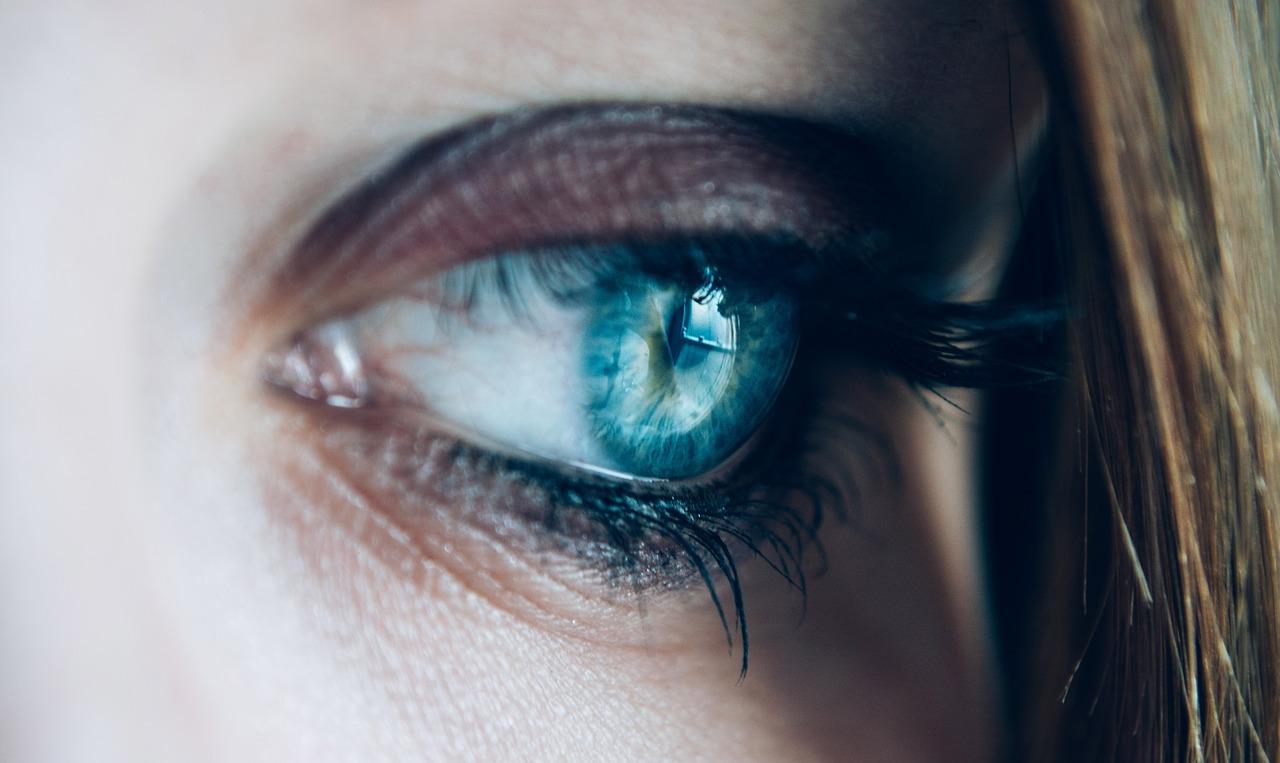 涙は健康にも美容にも効果あり! 、、、 泣いていいんですよ!