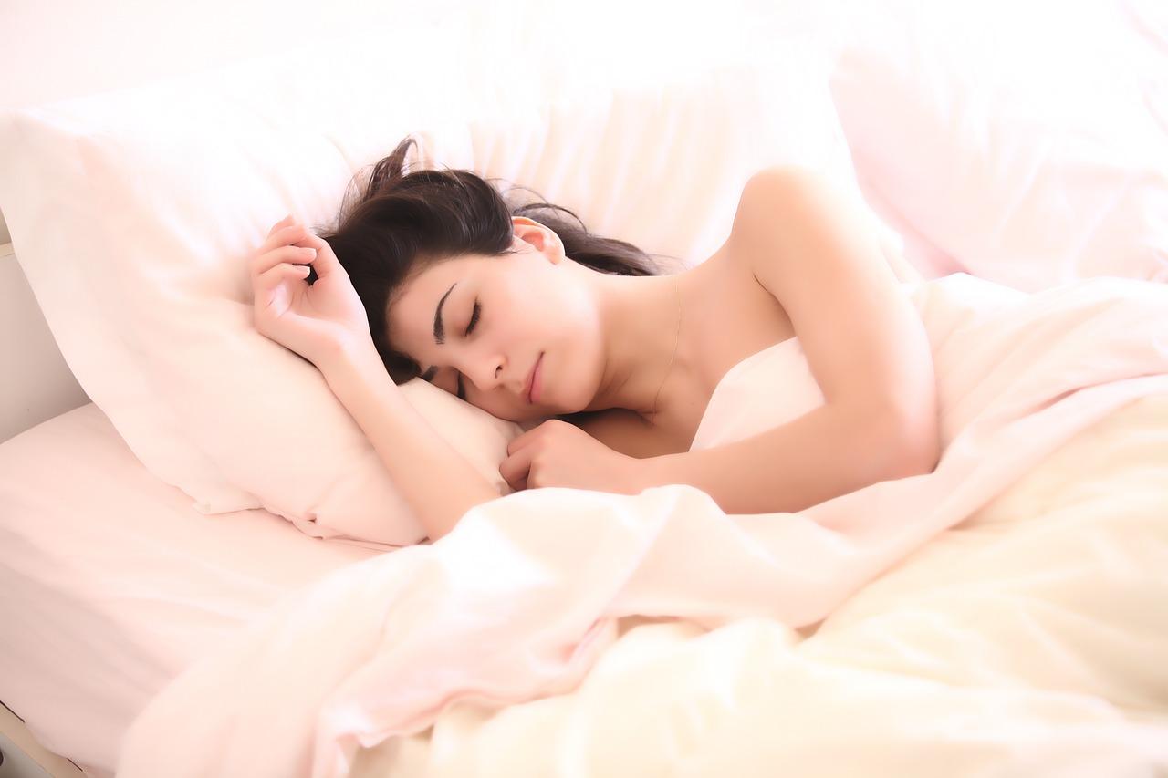 「健康と枕」30個以上の枕を使ってきた結果!枕で健康になれるのか?[体験談]